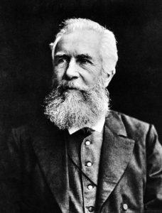 El naturalista alemán Ernst Heinrich Philip August Haeckel es considerado el creador del término ecología, a pesar de que otros autores ya intentaron nombrar las interacciones entre animales y su entorno.